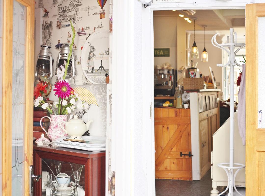 cornish-blogger-meet-up-afternoon-tea-at-bone-china-5