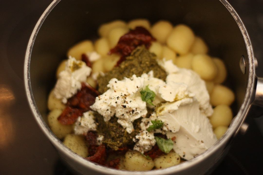 recipe-pesto-gnocchi-with-parmesan-chicken-