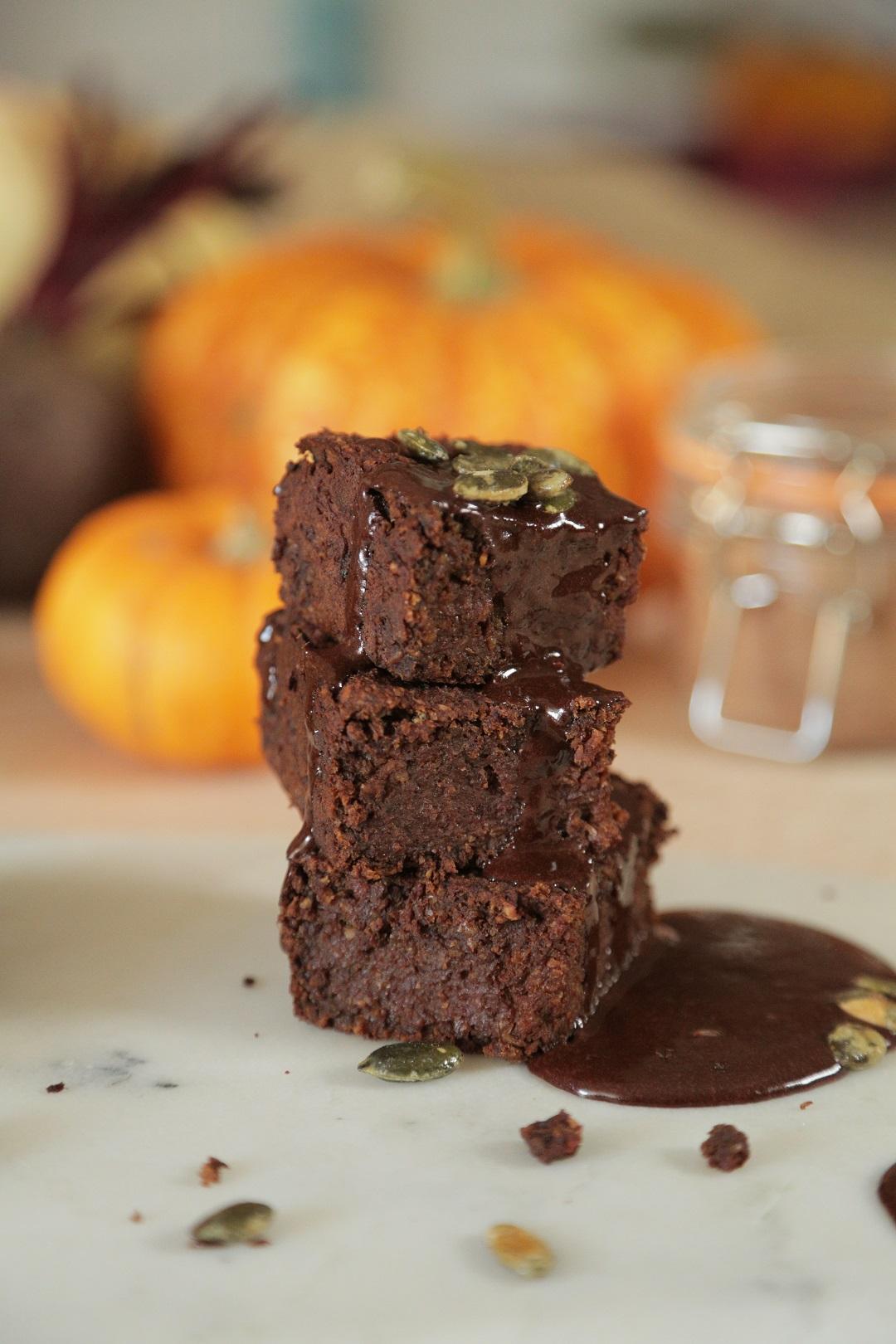 halloween-pumpkin-brownies-recipe-1