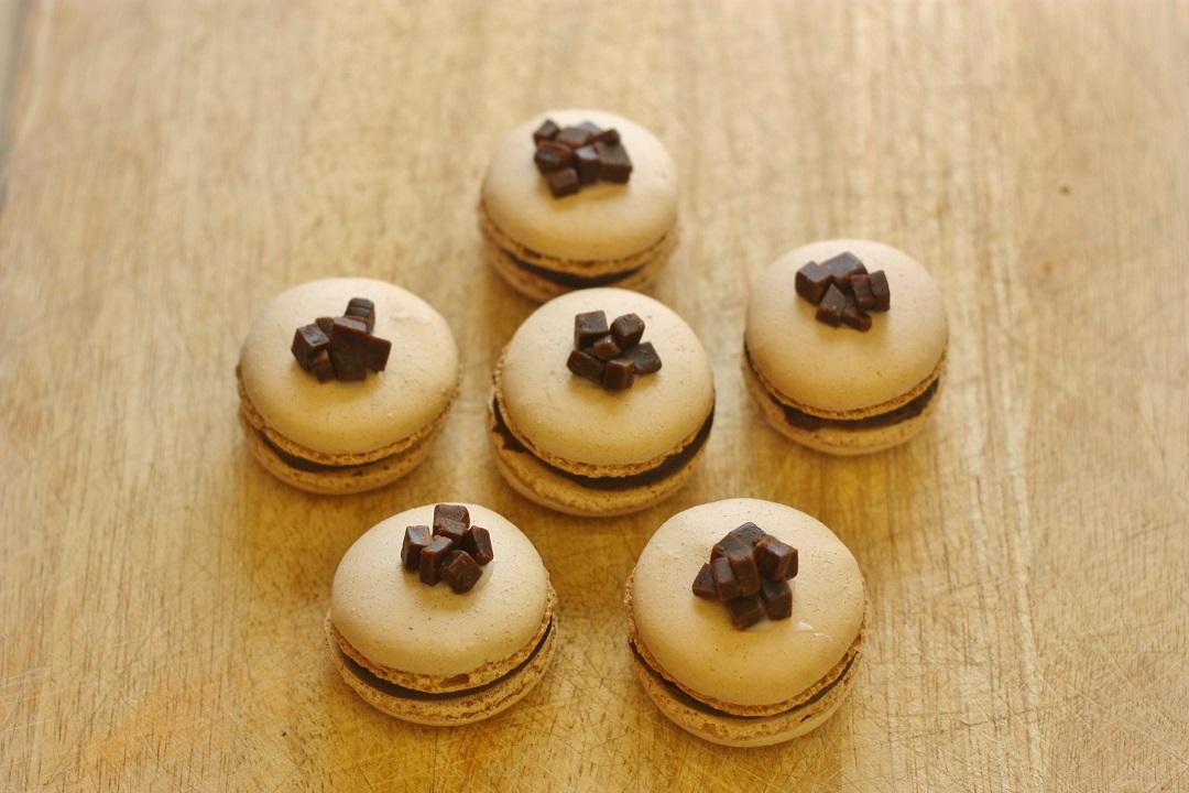 Recipe Chocolate Orange Fudge Macarons 2