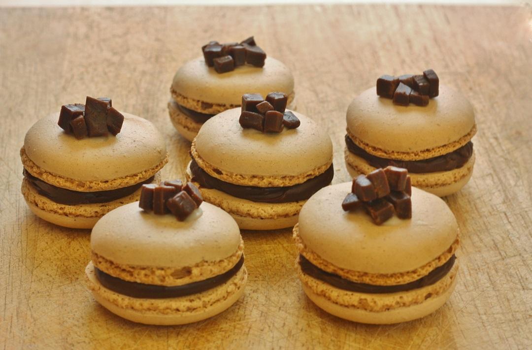 Recipe Chocolate Orange Fudge Macarons 3