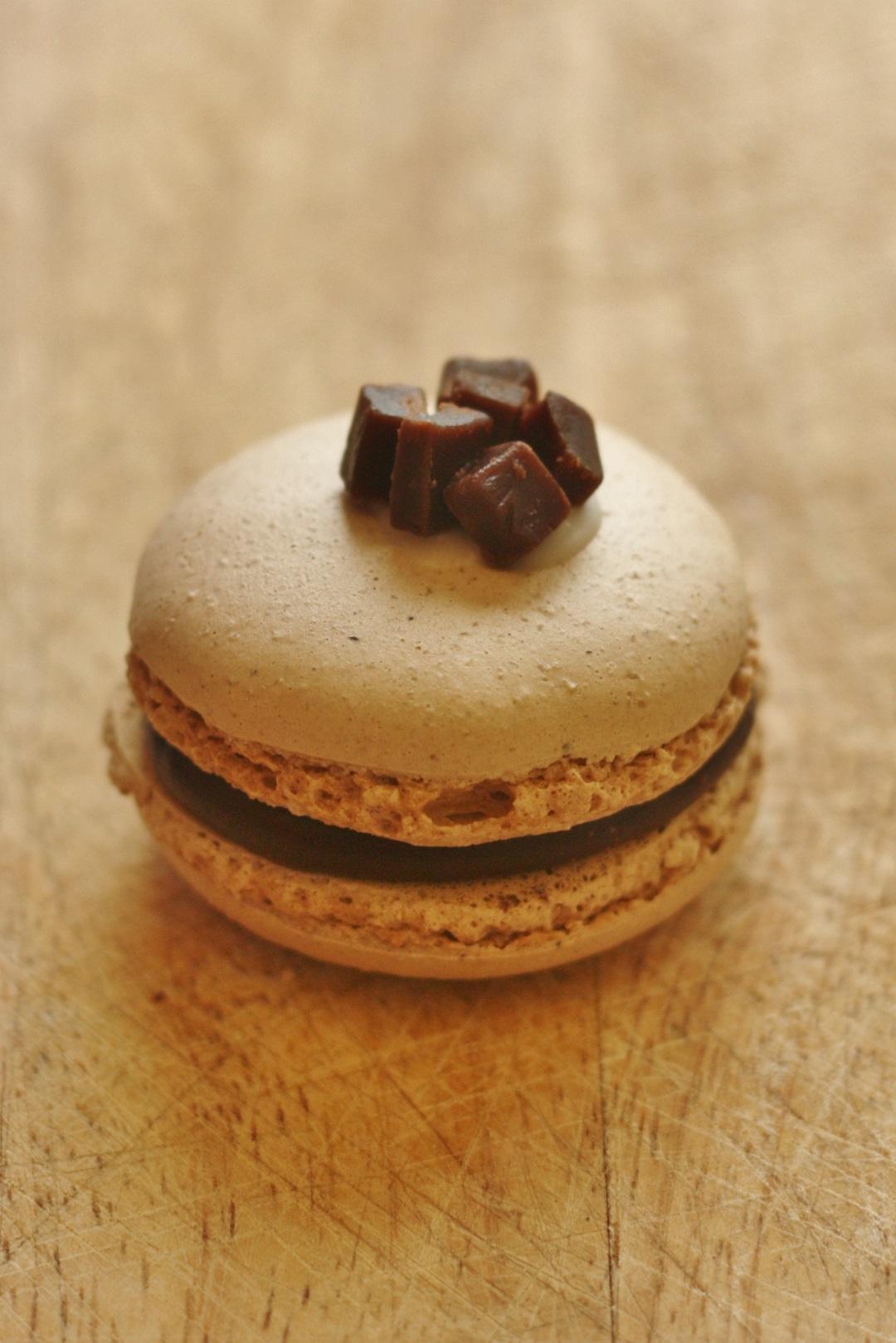 Recipe Chocolate Orange Fudge Macarons 4